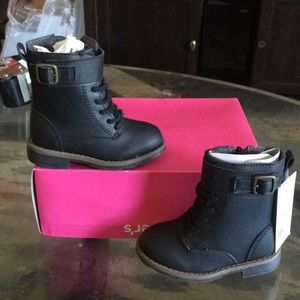 New carters comerad 2 girls boots